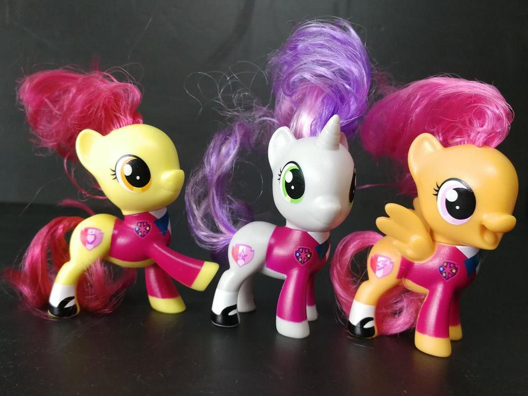 A Few Weeks Ago The First Reboot Filly Scootaloo Was Found Over On Aliexpress Along With Some Other Ponies Of Same School Uniform Theme Ing